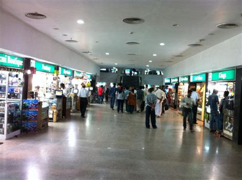 10 Street Shopping Destinations in Delhi that you can't Miss