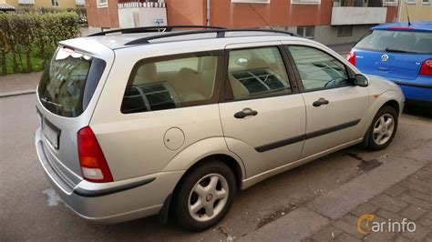 WCY979 - Ford Focus Kombi 1