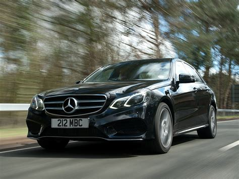 W212 E-Class Facelift Gets Reviewed by CarBuyer
