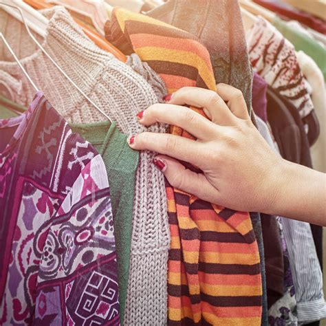 5 tips for buying second-hand kids' clothes