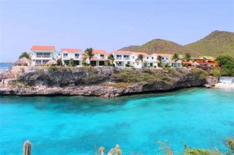 Oceanfront 3BR Condo at Playa Lagun with Fa