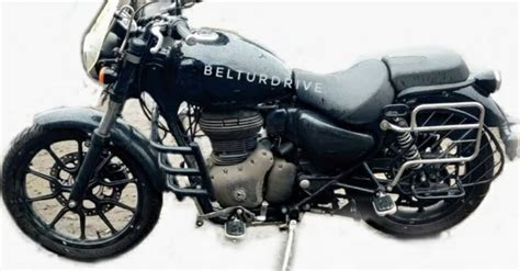 Royal Enfield Meteor 350 with several accessories spied