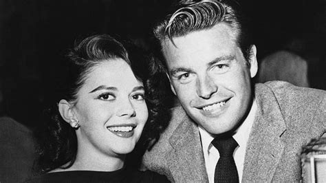 Robert Wagner reflects on loss of Natalie Wood: 'I thought