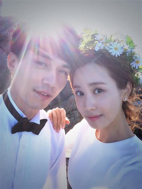 Lee Dong Wook and Lee Da Hae Pose for Their Last Few