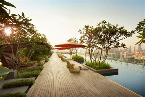The 5 Best Rooftop Pools at hotels in Singapore (2020 UPDATE)