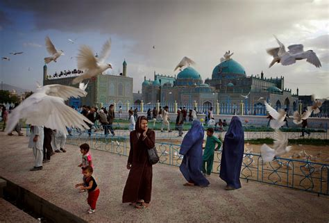 Hazrat Ali the Blue Mosque - Afghanistan - Islamic Finder