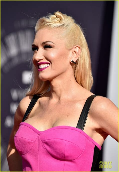 Gwen Stefani Hot Pictures, Bikini And More (60 Photos