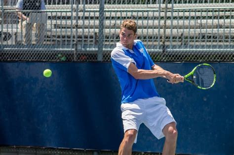 Men's tennis takes home two victories in final weekend of