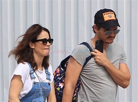 Are Pedro Pascal and Robin Tunney dating?